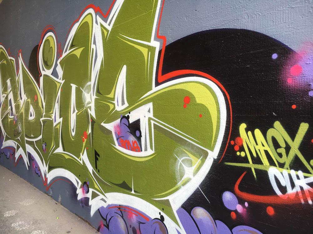 Graffiti zimmerwand stunning graffiti wand backstein with - Graffiti zimmerwand ...